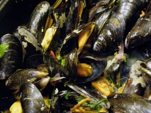 Mussels With Wine And Herbs