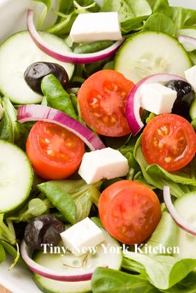 10 Minute Greek Salad