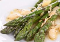 Asparagus With Almonds & White Beans