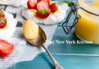 Pavlovas With Lemon Curd & Strawberries