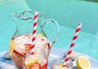 Boozy Strawberry Lemonade
