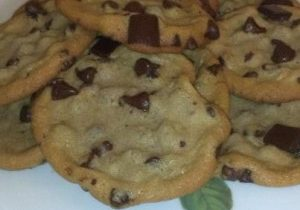 Super Chunk Chocolate Chip Cookies