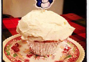 Victoria's Christmas Vanilla Cupcakes